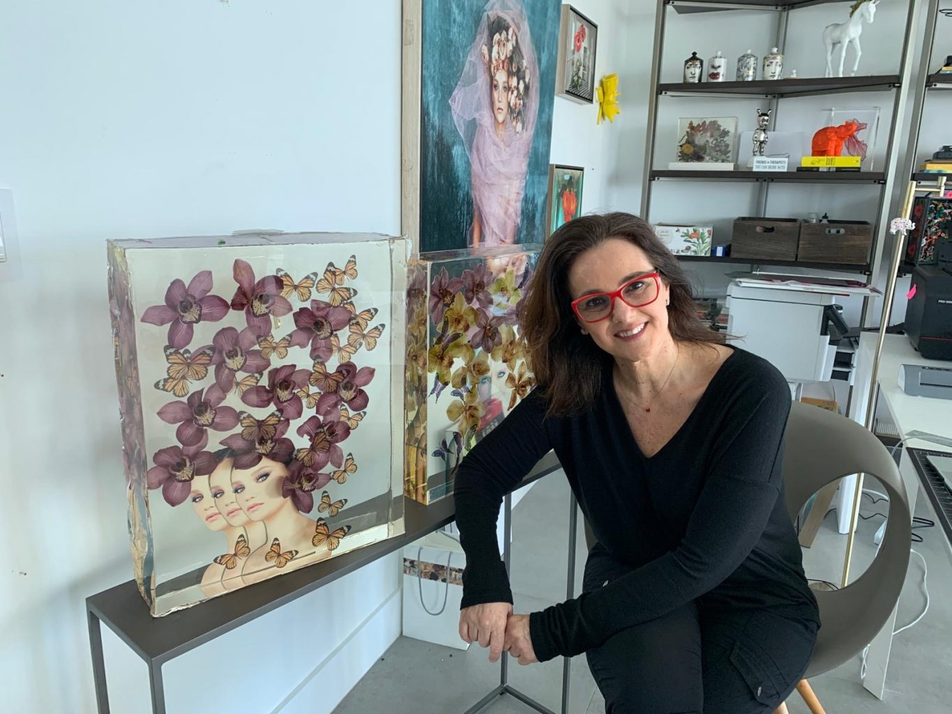 Diana Vurnbrand with her artwork