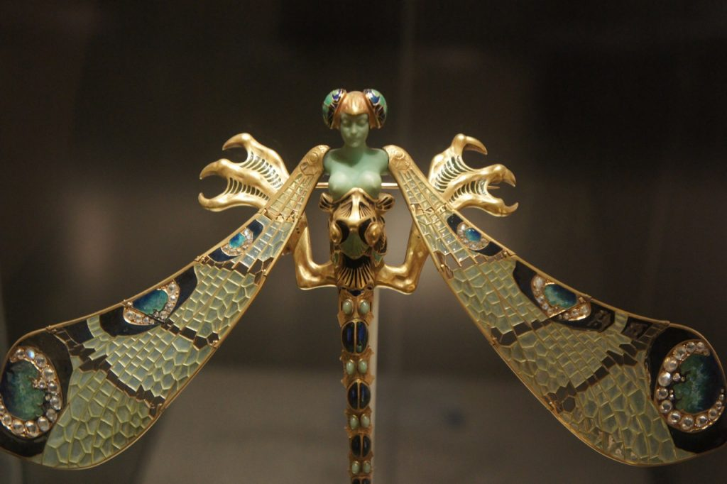 Image: Dragonfly Woman by sprklg