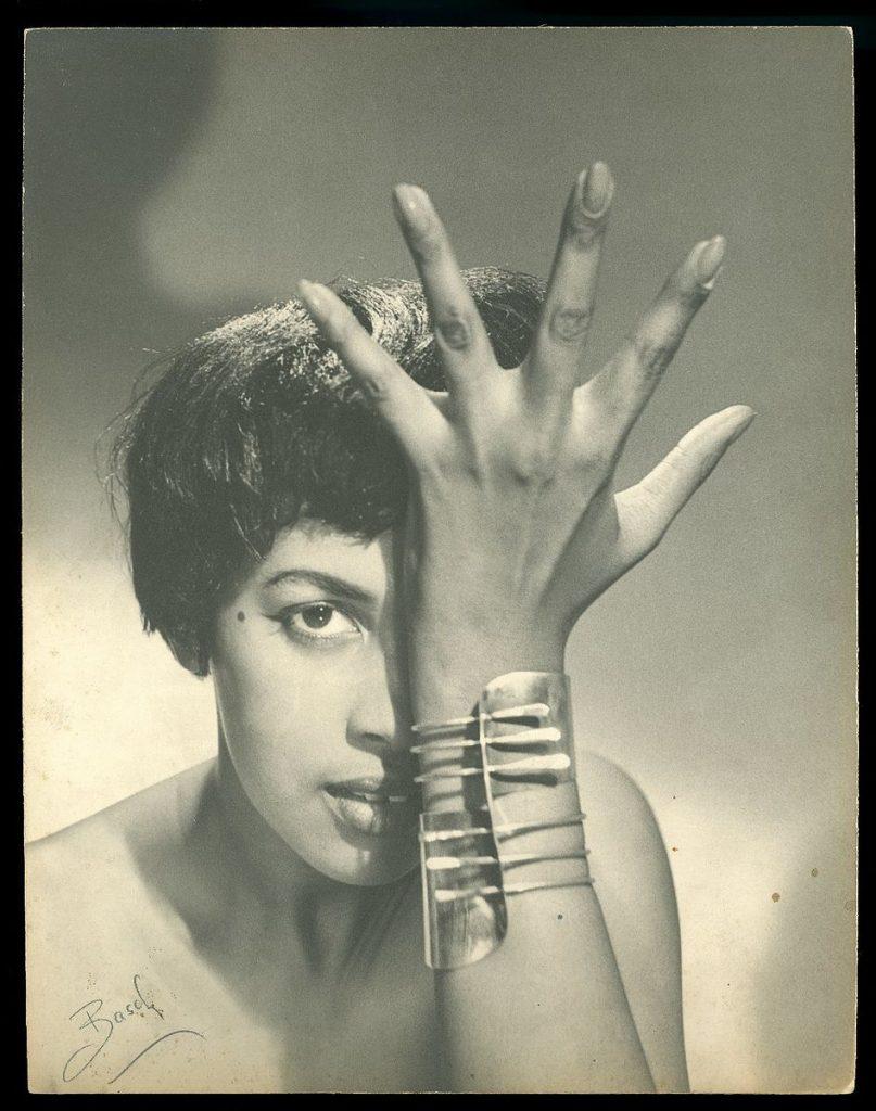 Art_Smith__modern_cuff__bracelet_on_model